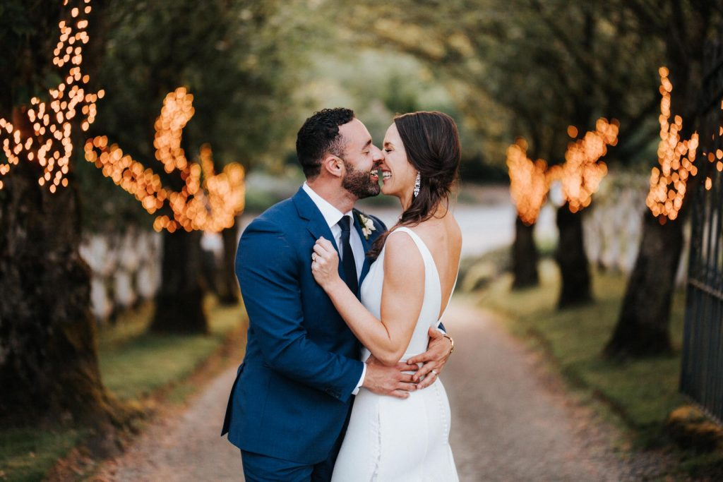 Chateau Lill wedding in Woodinville Washington. Shot by Seattle wedding photographer Wiley Putnam.